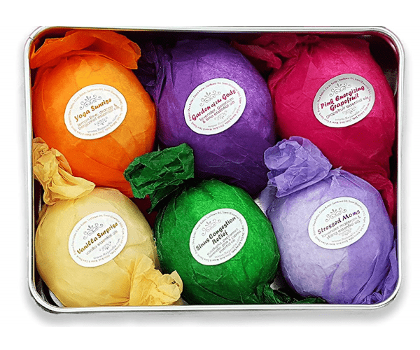 Aromatic Bath Bombs gift set : Great hero item for a new mom Gift Basket
