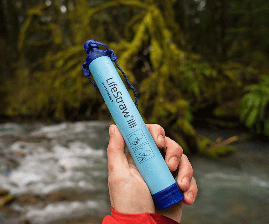 #11 very best gifts for hikers & backpackers: lifestraw filtration system