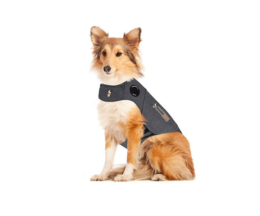 #17 unique & funny gifts for dog lovers: Thundershirt Anxiety jacket