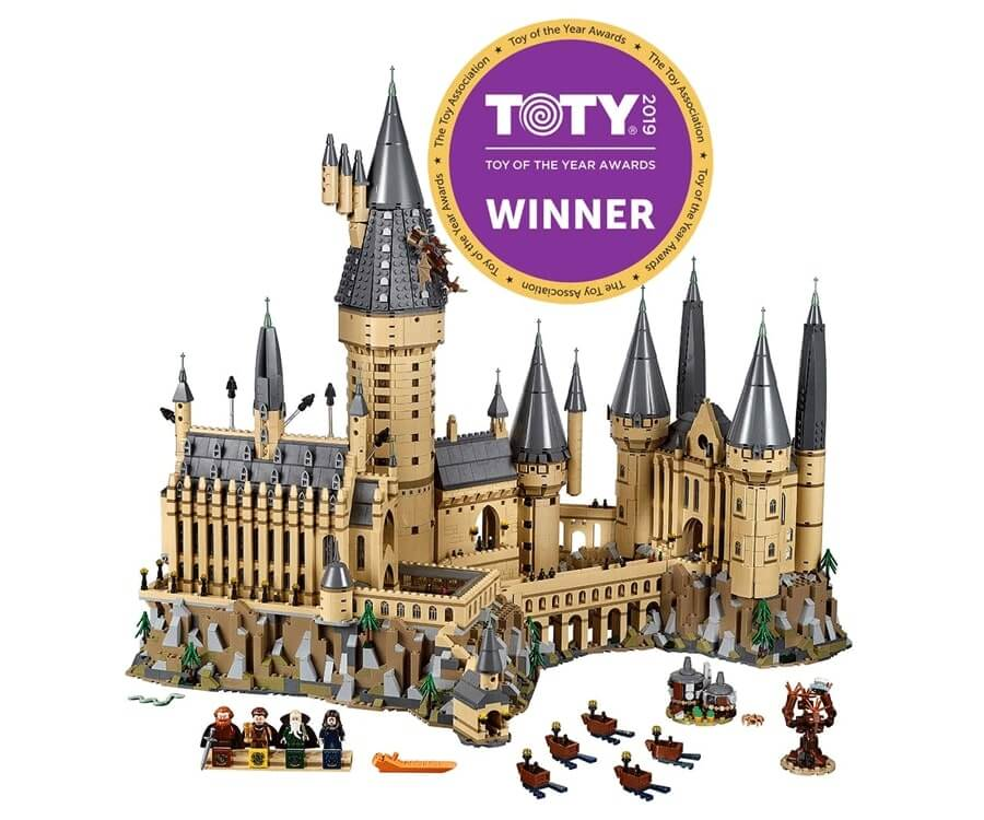 #11 cool lego gifts for adults: Hogwarts Castle
