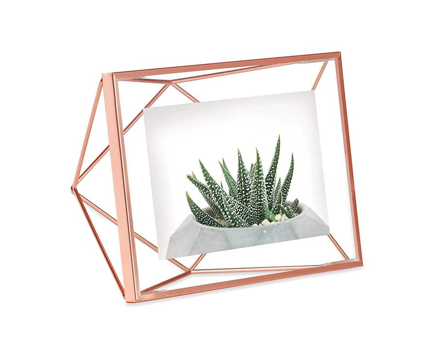 #9 Great Sentimental gifts for her: Geometric Wire Photo Frame