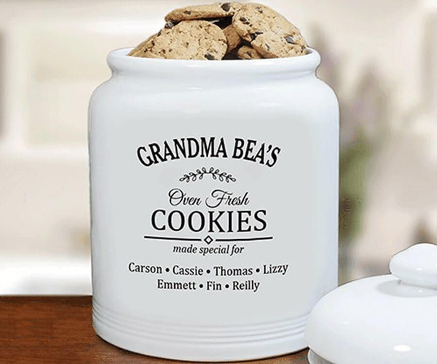 #14 Great Sentimental Gifts for her: personalized cookie jar
