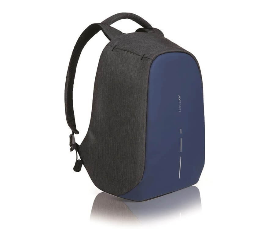 #12 great travel gift ideas for him: anti-theft backpack