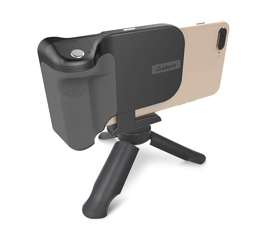 #36 best travel gifts for her: smartphone camera grip