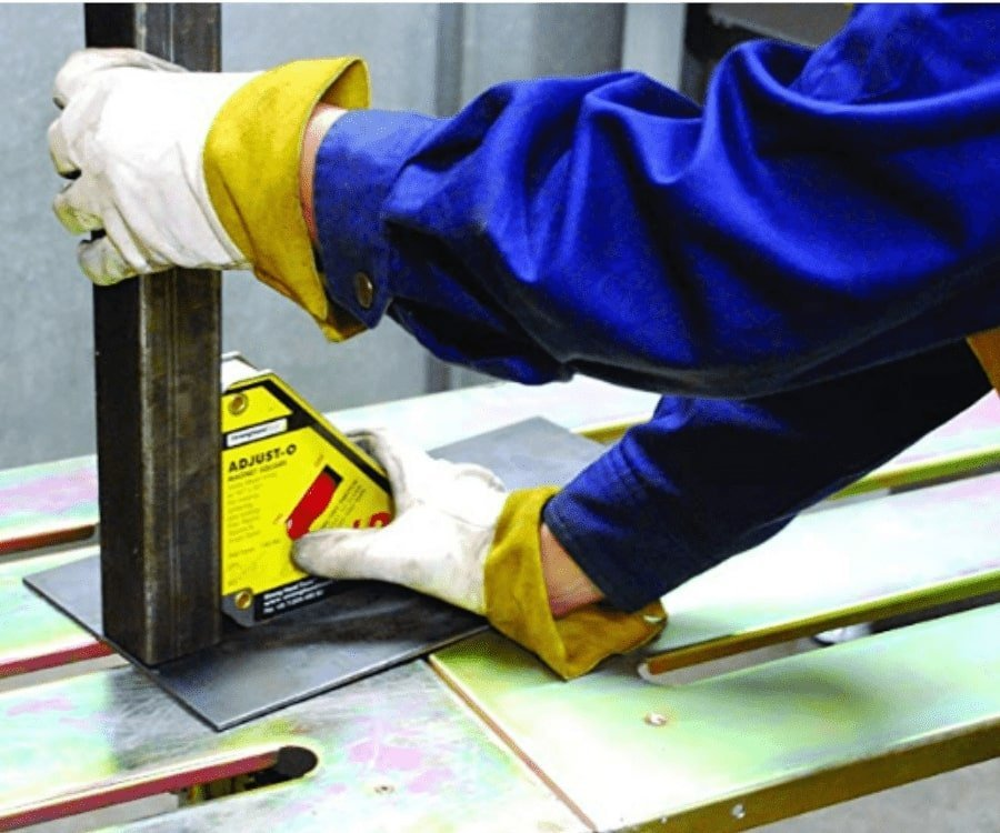 #12 gifts for welders: Strong Hand Tools O-Magnet