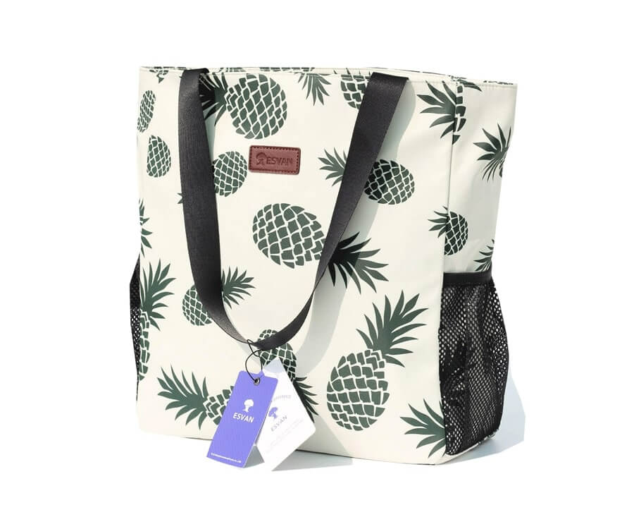 #32 travel presents for her: stylish travel bag