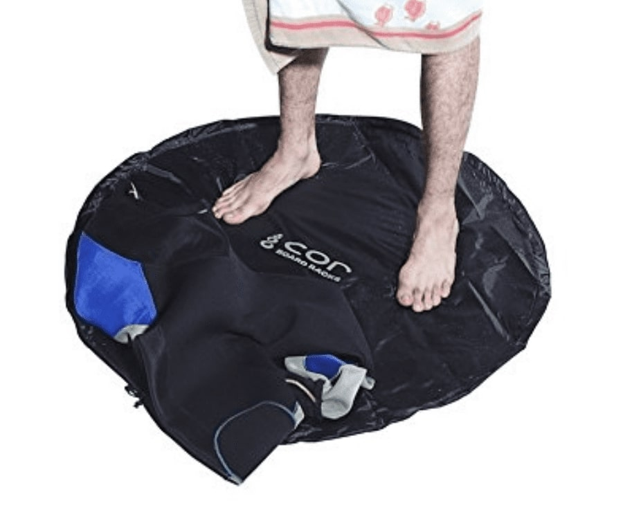#22 best gifts for kayakers: Wetsuit Changing Mat