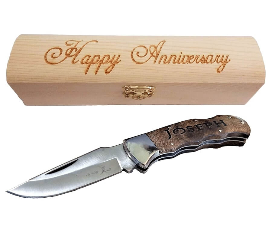 #12 Personalized Gifts for Him: engraved pocket knife
