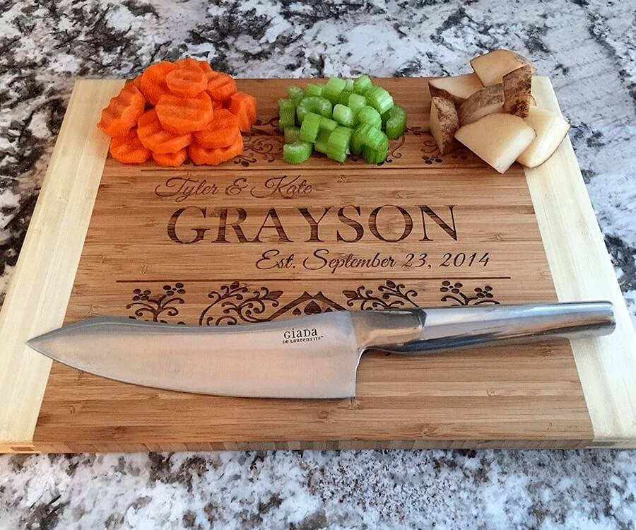 #16 gifts for the woman who has everyhing: personalized cutting board