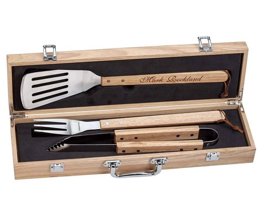 #26 Personalized Gifts for Him: personalized grill set