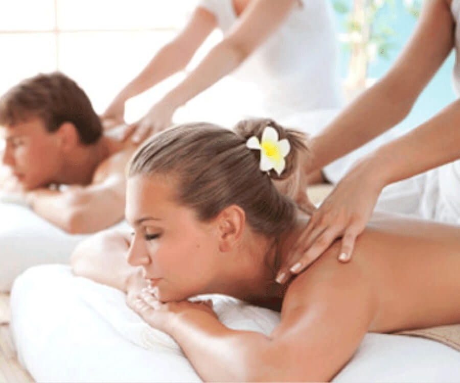 #6 best valentines gifts for her: couples massage