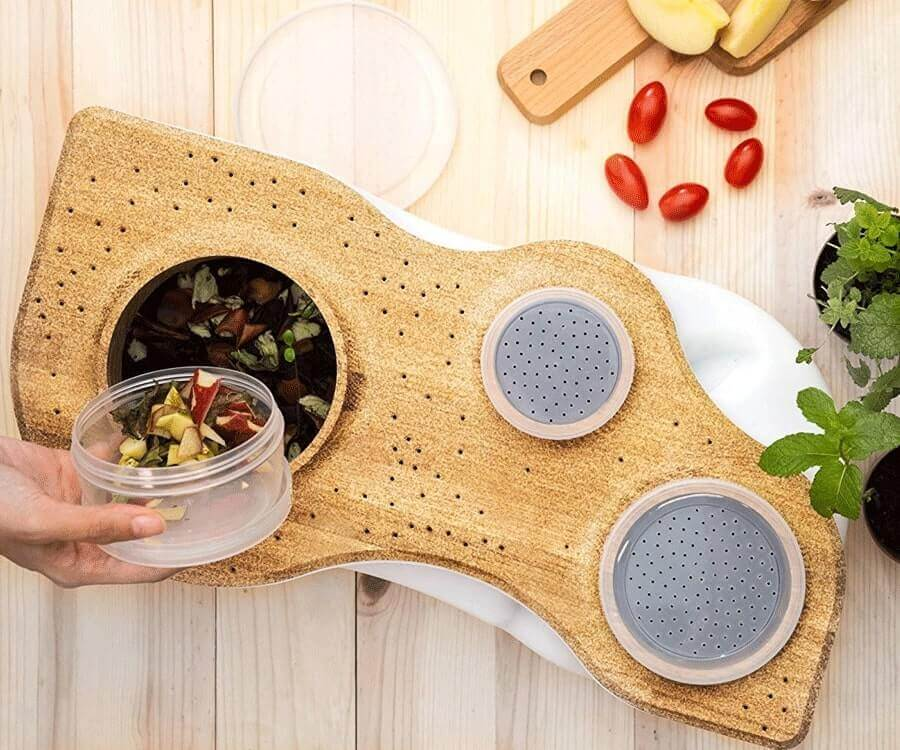 #17 eco friendly gifts for her: Kitchen Composter
