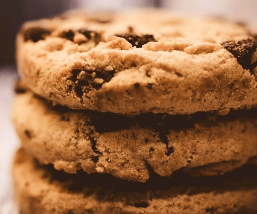 #31 best gifts for long distance boyfriend: freshly-baked cookies