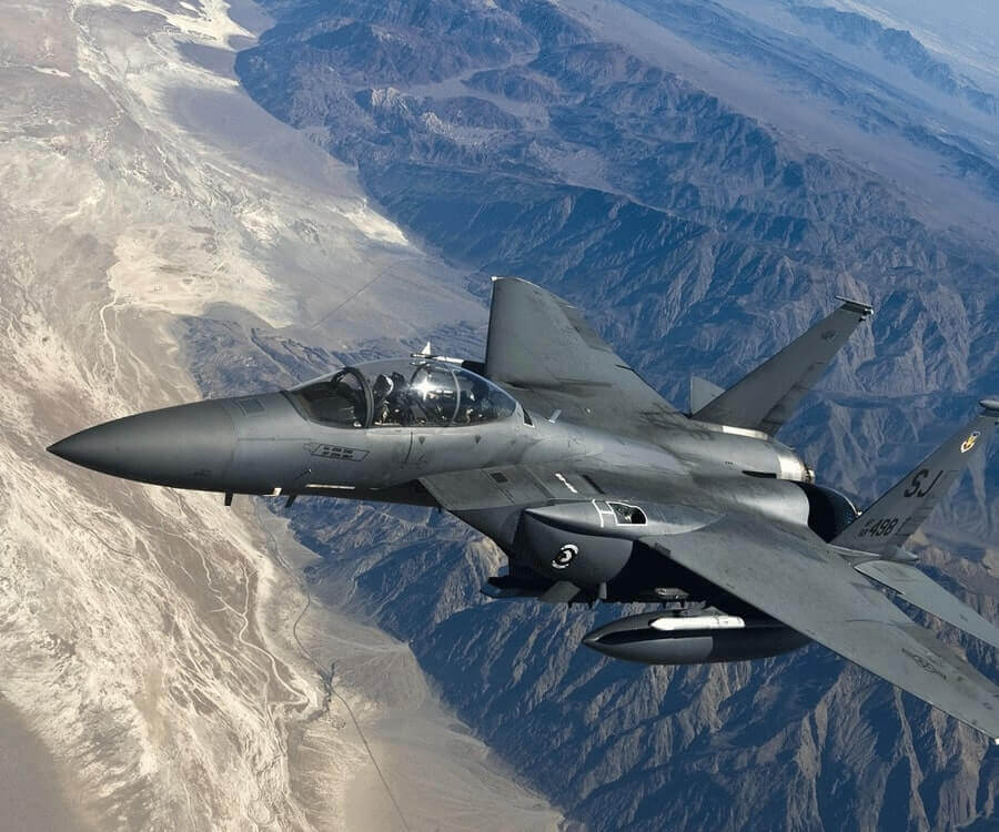 #34 luxury gifts for men who have everything: Fly a fighter jet