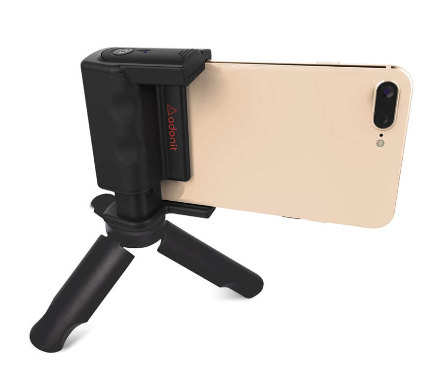 #28 gifts for the woman who has everything: Smartphone Camera Grip
